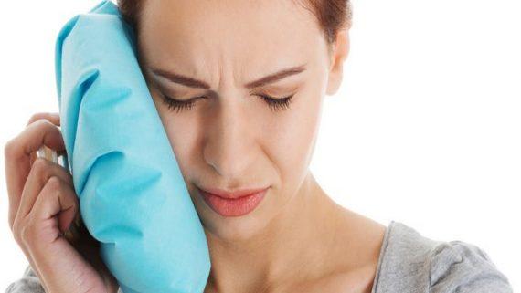 Чем снять отек с лица после имплантации зубов