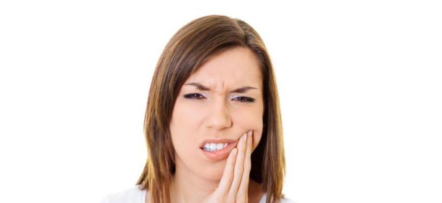 если лезет зуб мудрости что делать сильно болит