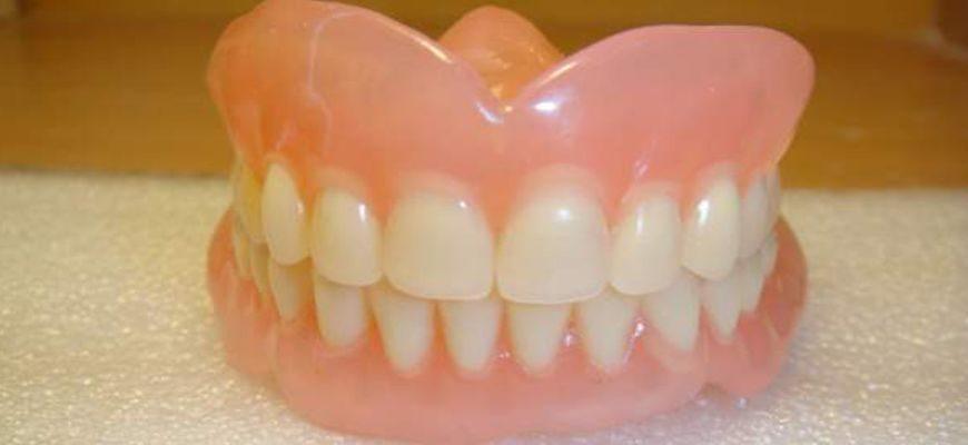 Как чистить зубы если у тебя зубные протезы