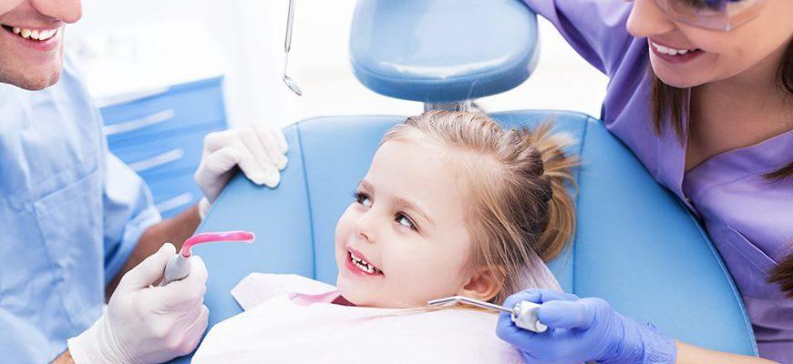 Как лечить зубы у ребенка в 2 года