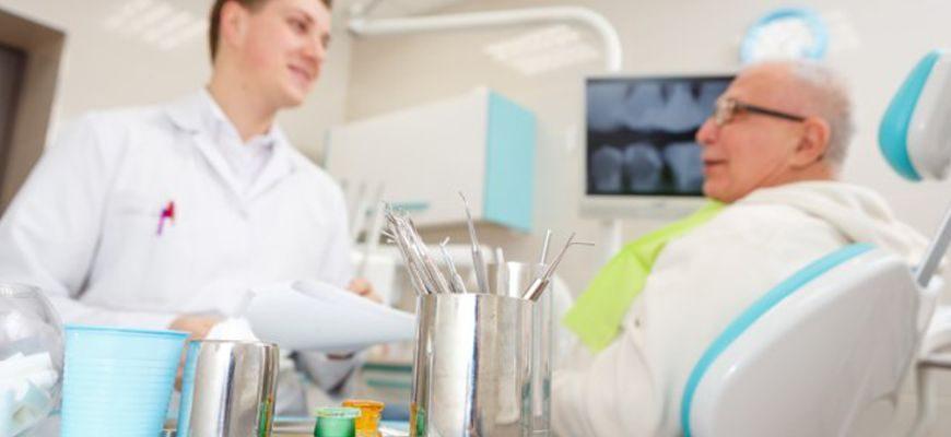 Сколько времени заживает лунка после удаления зуба