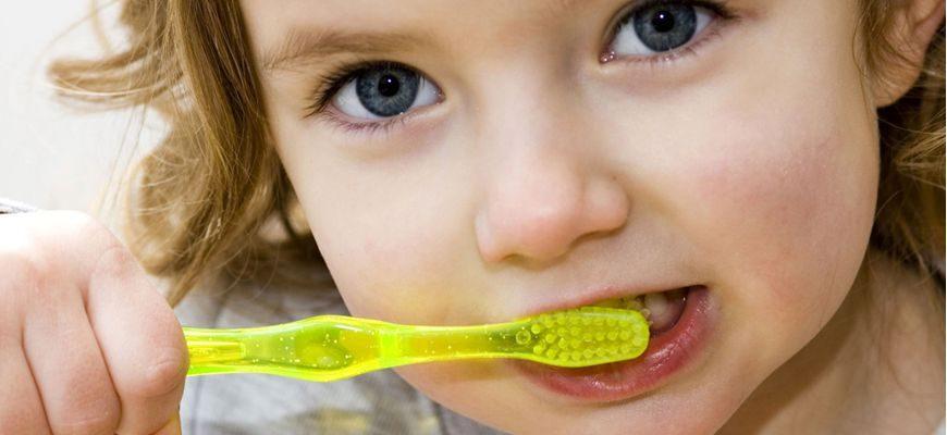 уход за зубами и ротовой полостью для детей