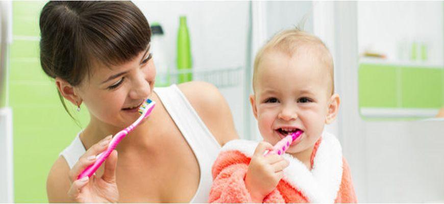 Во сколько лет надо начинать чистить зубы ребенку