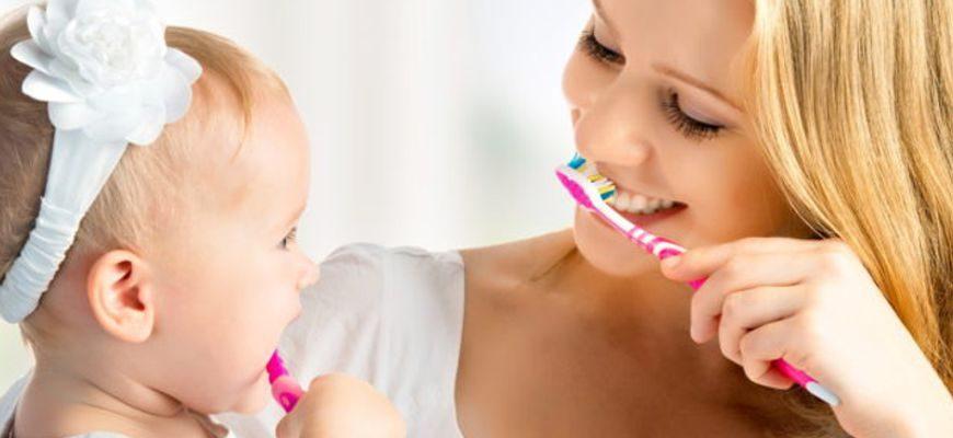 сколько раз в день чистить зубы годовалому ребенку